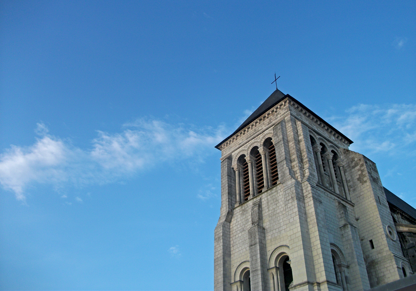 Tour de l'église St Julien, Tours
